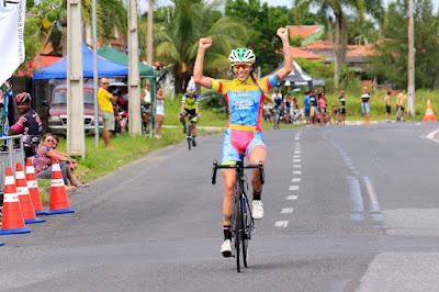 Kacio Freitas ( Rio Cycling Team) e Wellida dos Santos ( São José dos Campos) vencem o 32º Torneio de Verão de Ciclismo