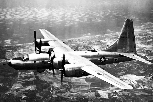 6 September 1940 worldwartwo.filminspector.com Boeing B-32 Dominator