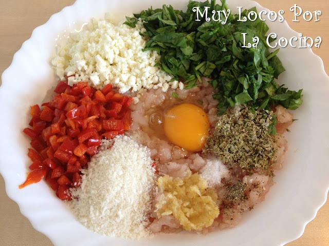 Ingredientes de las Hamburguesas de Pollo, Pimiento, Espinacas y Queso Feta