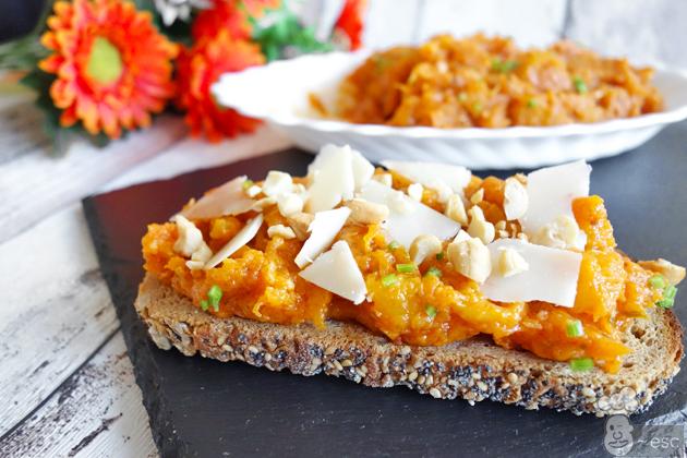 tosta de cuarrécano o calabaza frita con ajo, orégano y pimentón