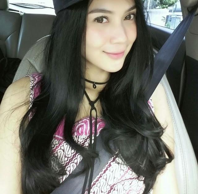 Aktris cantik yang mempunyai nama lahir  Biodata dan Profil Imaz Fitria
