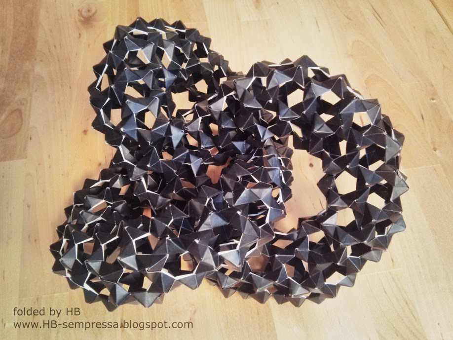 Origami ball from 120 PHiZZ units by Tom Hull - YouTube   689x918