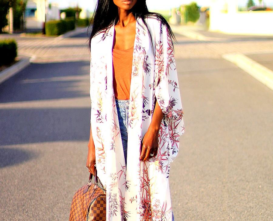 idee-de-look-avec-kimono-a-fleurs