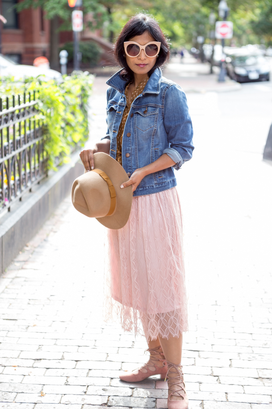 pre-fall style, fall style, lace skirt, pink lace, lace-up shoes, felted hat, brixton, ann taylor, loft, forever 21, petite fashion, feminine outfit, fall wardrobe updates, petite style, easy style, style tips, girly, how to update your wardrobe for fall