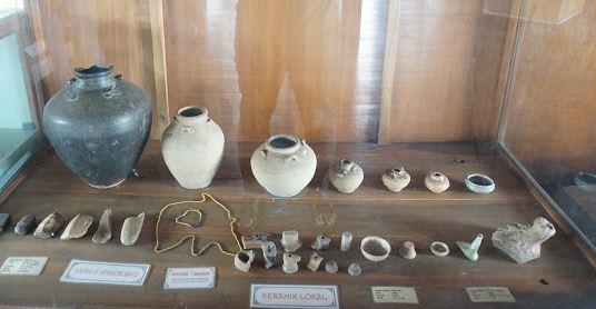 artefak di taman purbakala Pugung raharjo