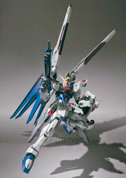 FREEDOM GUNDAM ZGMF-X10A METAL BUILD FIGURE Mobile Suit Gundam SEED BANDAI