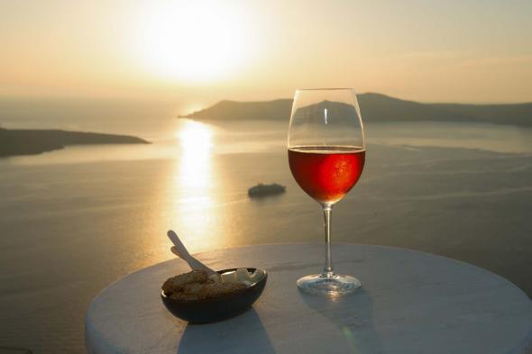 Ελληνικό νησί στα καλύτερα μέρη της Ευρώπης για τους λάτρεις του κρασιού