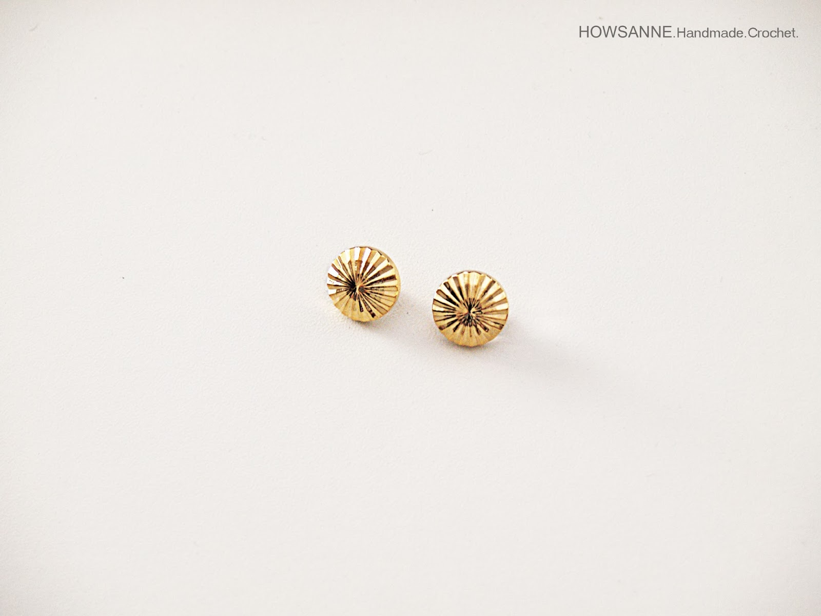 Sewing accessories gold button