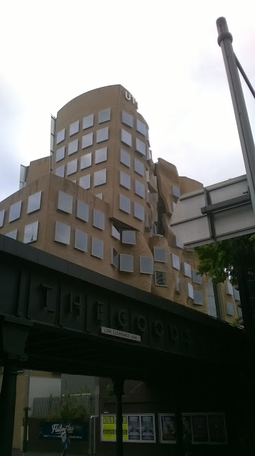 Dr Chau Chak Wing Building by Frank Gehry, UTS Ultimo