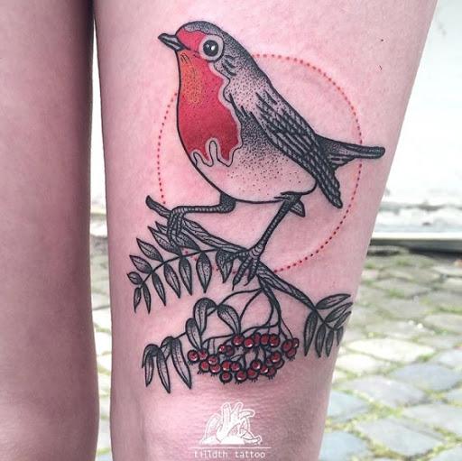 Este dotwork pássaro tatuagem na coxa