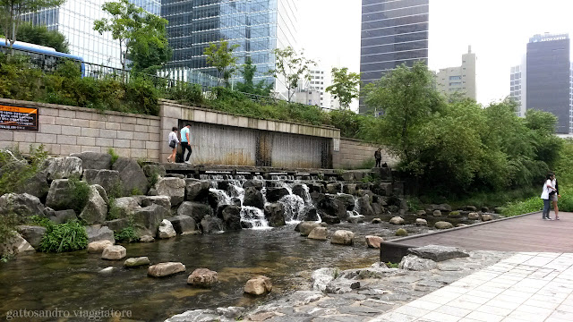 Cheonggyecheon Stream