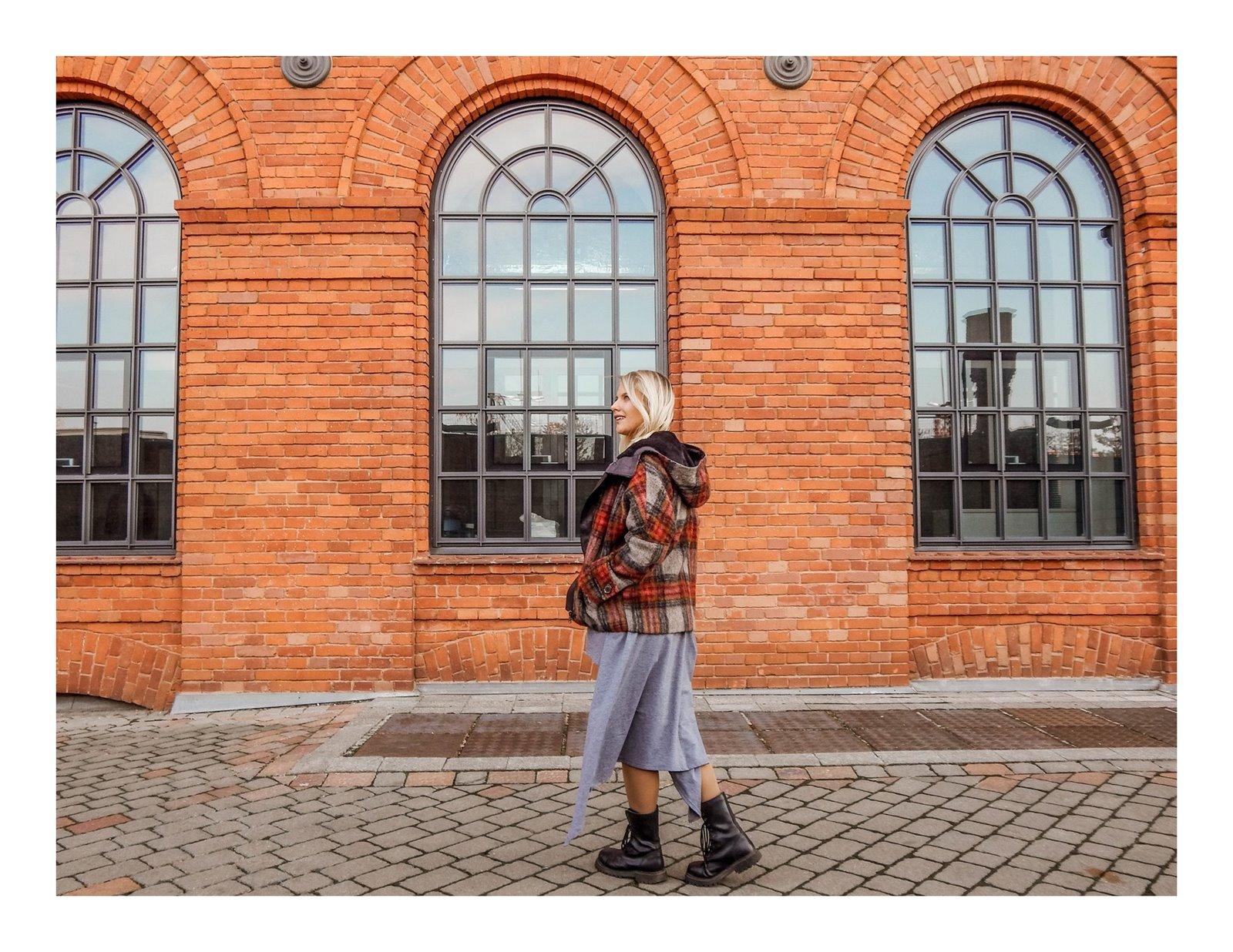 6a płaszcz - ubranie, moda polska, hot moda, moda damska jesień 2018, moda for you, net moda, blog, blogerki fashion łódź anataka kurtka w kratkę ciepła kurtka stylizacje w co się ubrać eleganckie kurtki blondynka