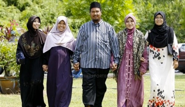 Kelantan galak suami berpoligami jika cukup syarat