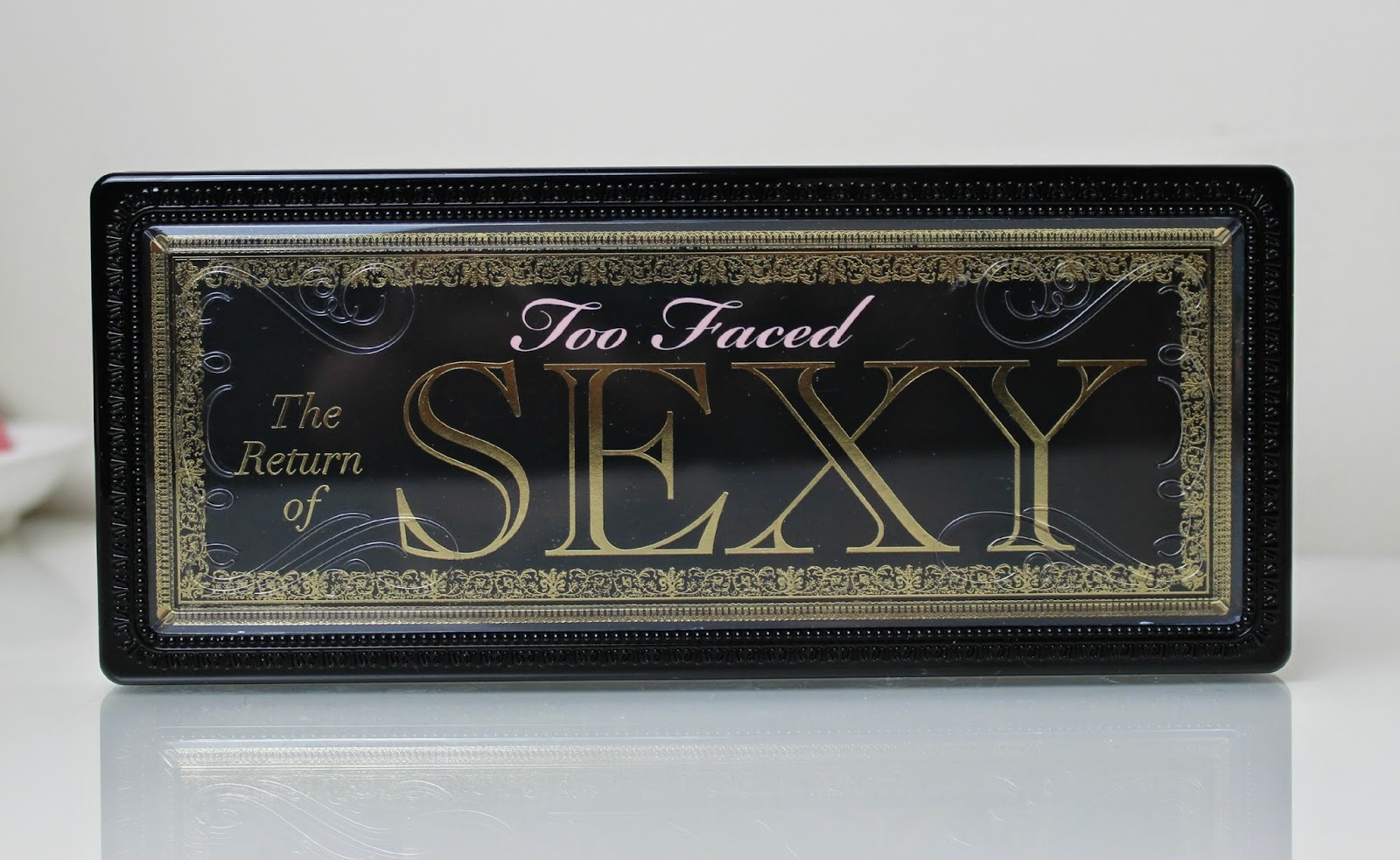 Too Faced The Return of Sexy 15 shade eyeshadow palette