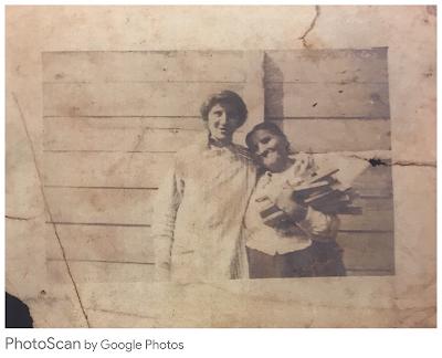 A scanned photograph of Albertine Frank Killman and Margaret Burkhardt Frank in New Orleans, Louisiana (ca. 1915)