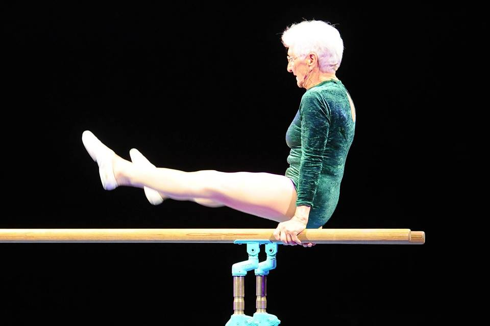 Supergran! 92-year-old wows Berlin audience with gymnastics routine