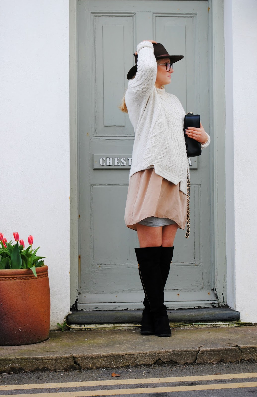 two ways to style a chunky knit this autumn fashion blog photography knee high boots asos