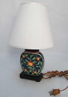 Asian Pottery Accent Lamp with Shade and cord