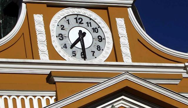 bolivia-relojes-evo-morales