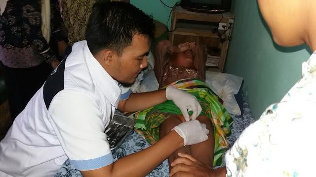 Pelaksanaan khitan oleh Team & Relawan Kesehatan Lazismu Jember