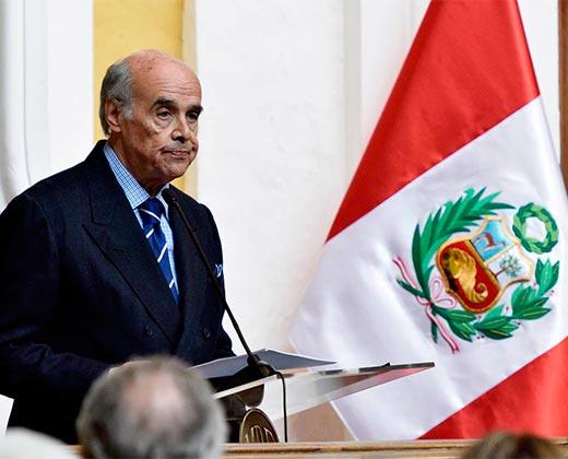 Perú pide invocar la Carta Democrática de la OEA por crisis en Venezuela