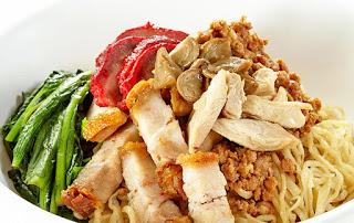 noodle, yamie babi komplite, mie babi, pork noodle, yamie topping babi panggang, yamie topping babi merah, yamie topping titee, yamie topping bossam, yamie topping hekeng