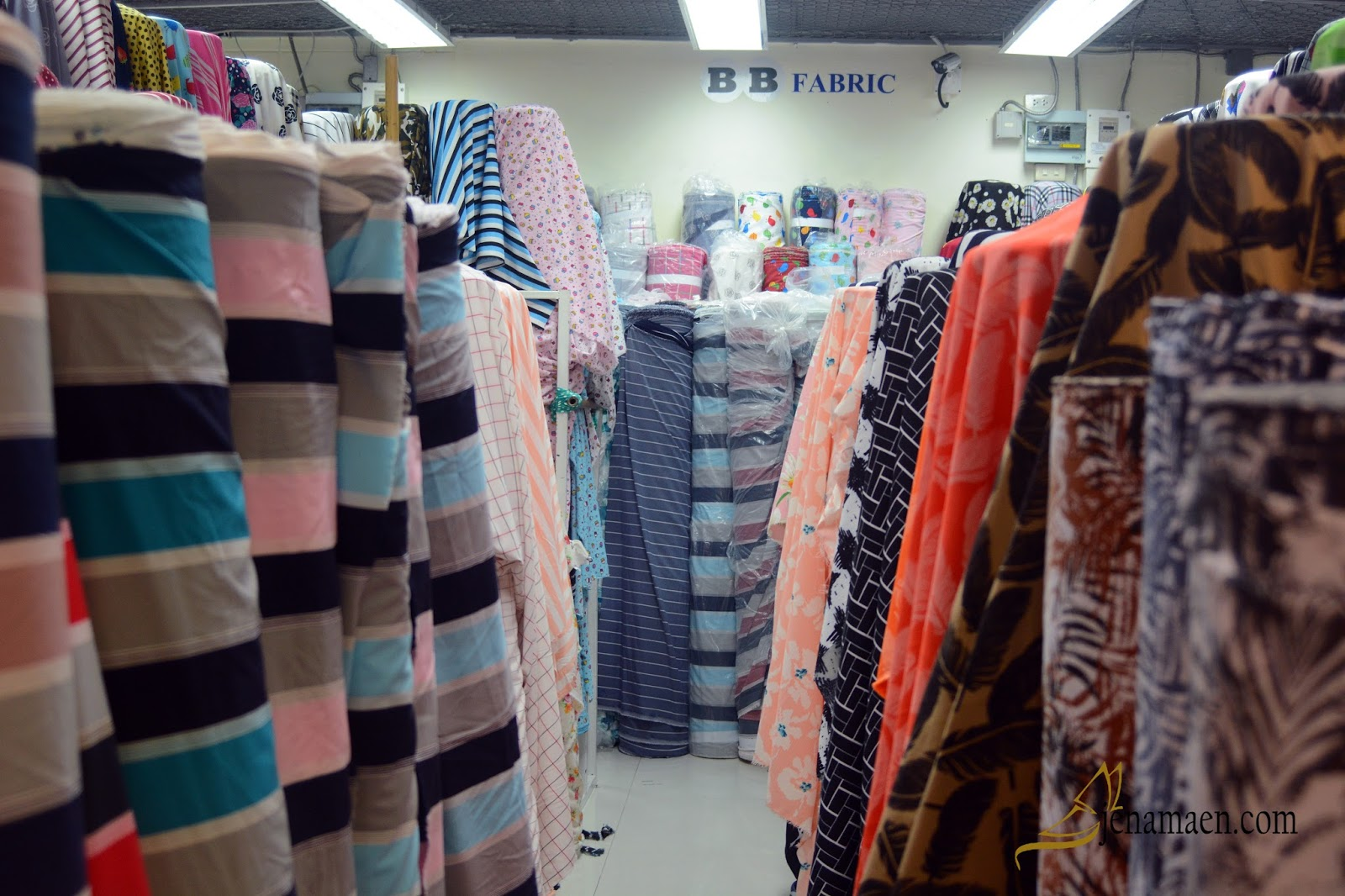Shopping at ChinaWorld Fabric Outlet