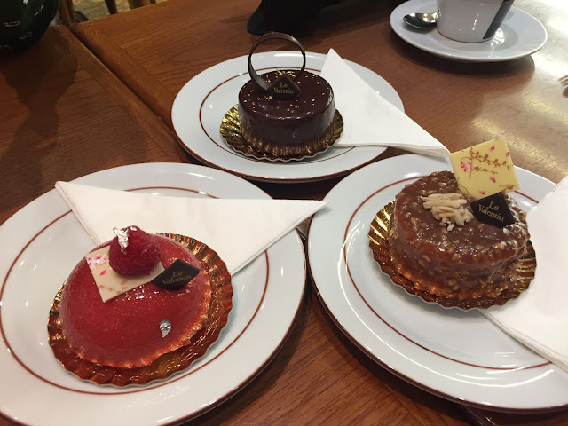 Afternoon cakes in Paris