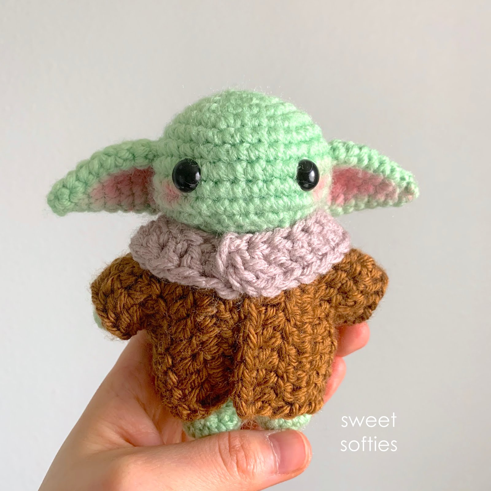 Pocket Baby Alien Crochet Pattern by Yarn Society | 1600x1600
