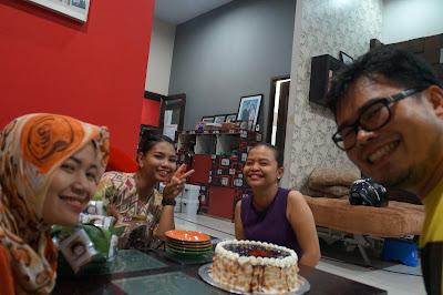 Kumpul Bahagia dalam rangka Potluck