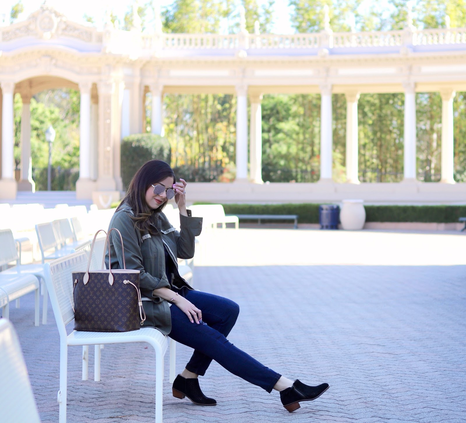 San Diego blogger in Balboa Park, casual outfit idea, san diego outfit idea