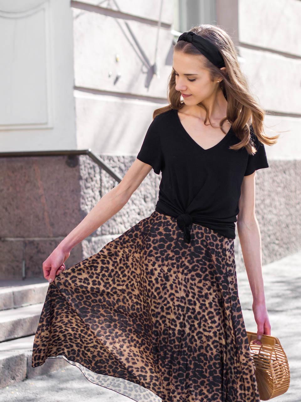 fashion-blogger-summer-outfit-leopard-midi-skirt-headband-cult-gaia-ark