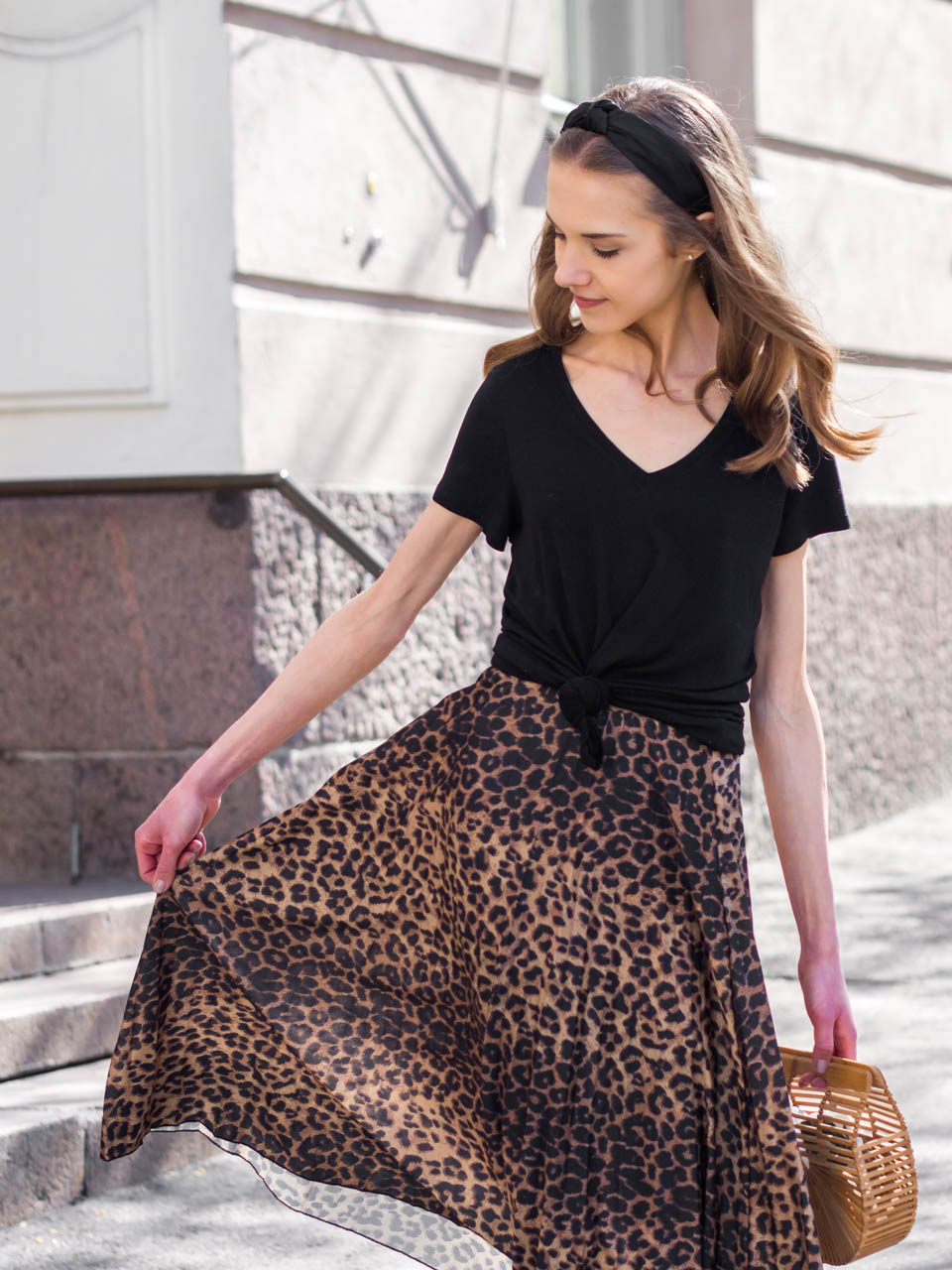 Leopard skirt and basic black t-shirt- Leopardihame ja musta t-paita