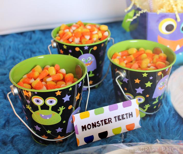 halloween labels monster teeth