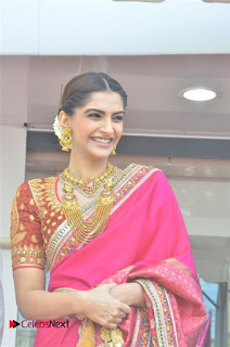 Actress Sonam Kapoor Launch Kalyan Jewellers Anna Nagar Showroom 0003.jpg