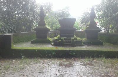 Lumpang Kentheng di Urung-urung, Ngujung, Toyomarto, Singosari, Malang