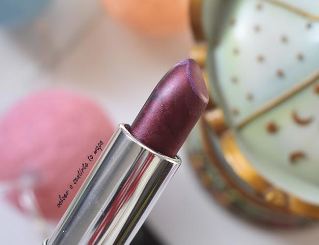 Labial tono 25 Copper Rose de acabado Metallic de Maybelline