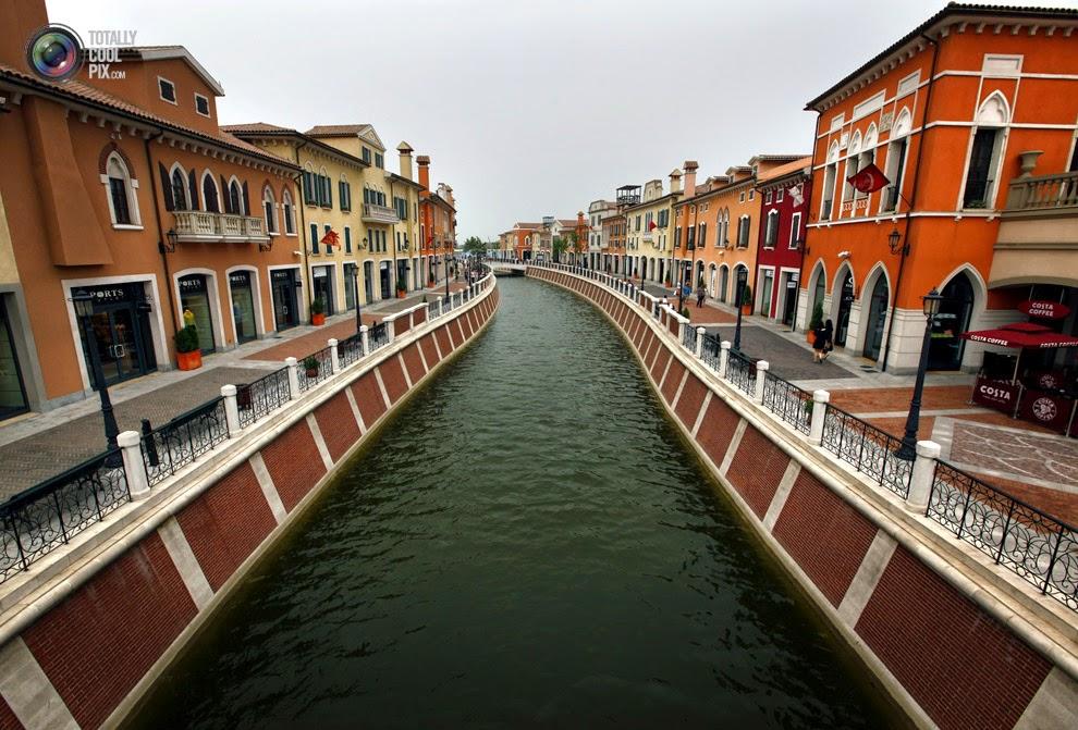 Replika Florentia Village