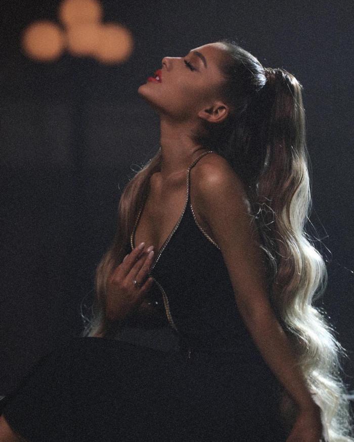 Ariana Grande Hot Photos