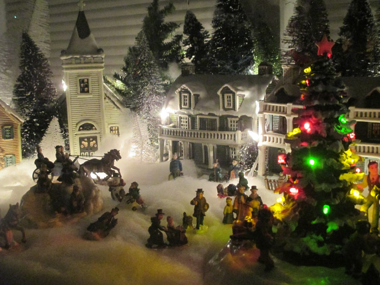 From Cedar Pond To Laughing Dove Farm : Christmas Village