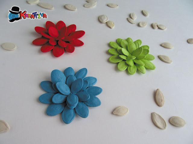 Come realizzare dei fiori con i semi di zucca