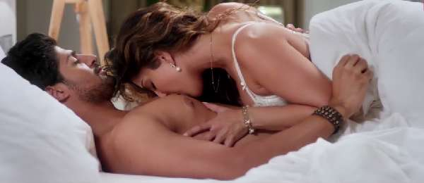 sunny leone kissing tanuj virwani chest seduce one night stand movie
