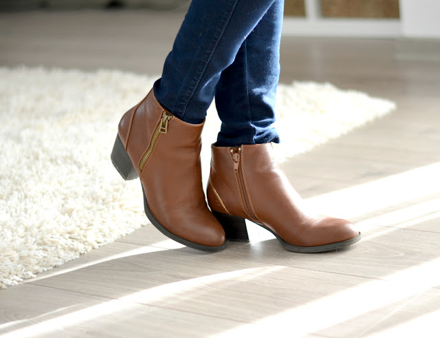 brown chelsea ankle boots Deichmann outfit