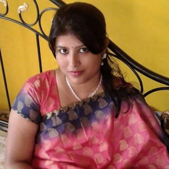 Hot Kanpuri Bhabhi Beautiful Housewife  Hot And Sexy-9295