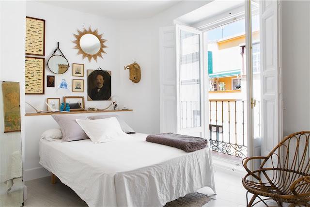 juego espejos vintage en dormitorio chicanddeco