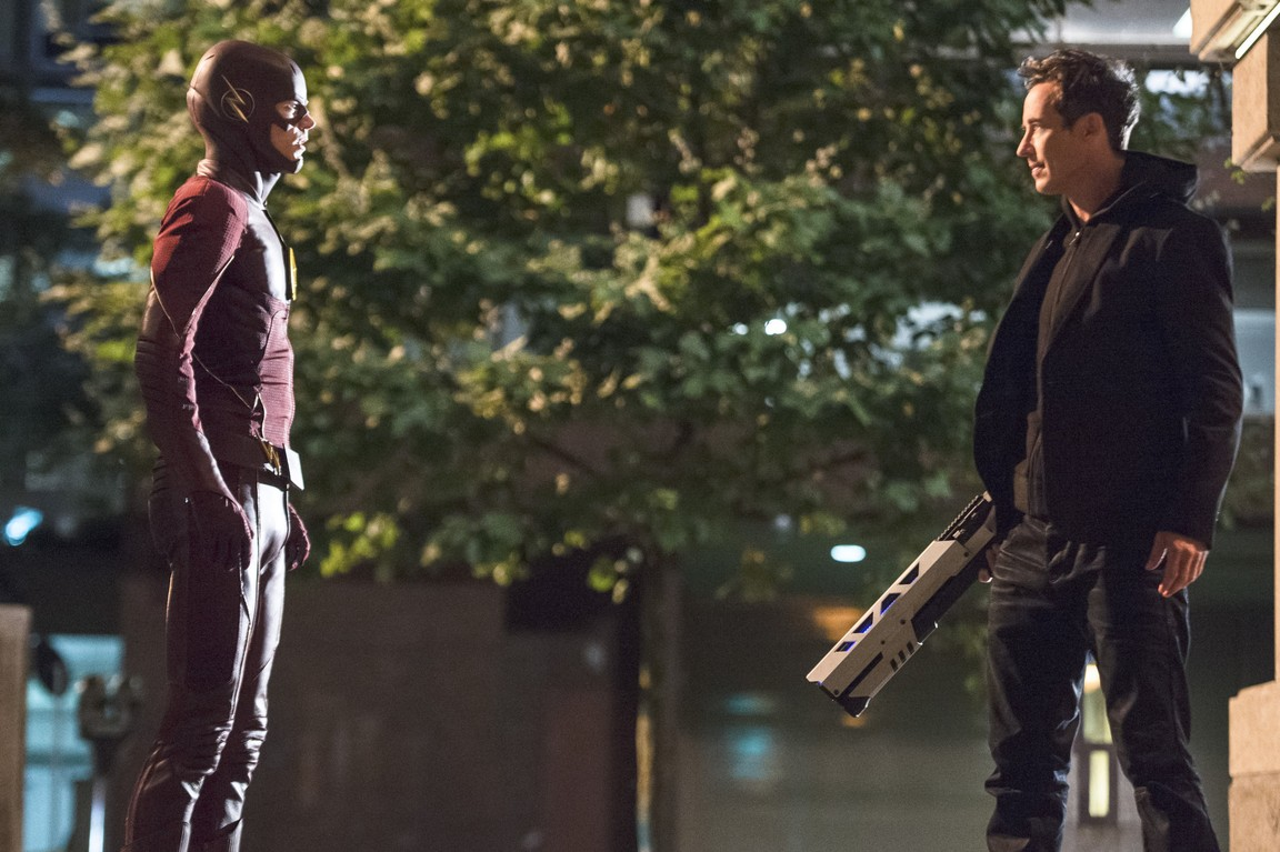 The Flash - Season 2 Episode 04: The Fury of Firestorm