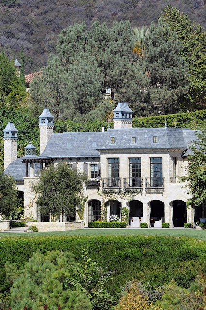 Tom Brady Gisele Bundchen Brentwood California mansion sold to Dr. Dre