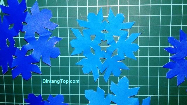 cara membuat snowflake dari kertas