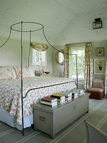 Attic Works: Bedrooms - Country / Romantic