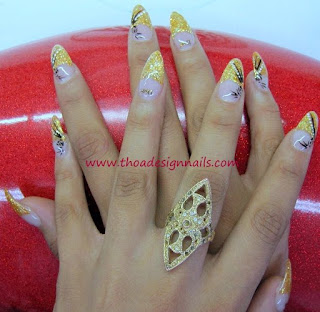 Glitzer gold French Nägel